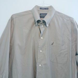 Nautica Shirts - {HP} Nautica Men's Button Down
